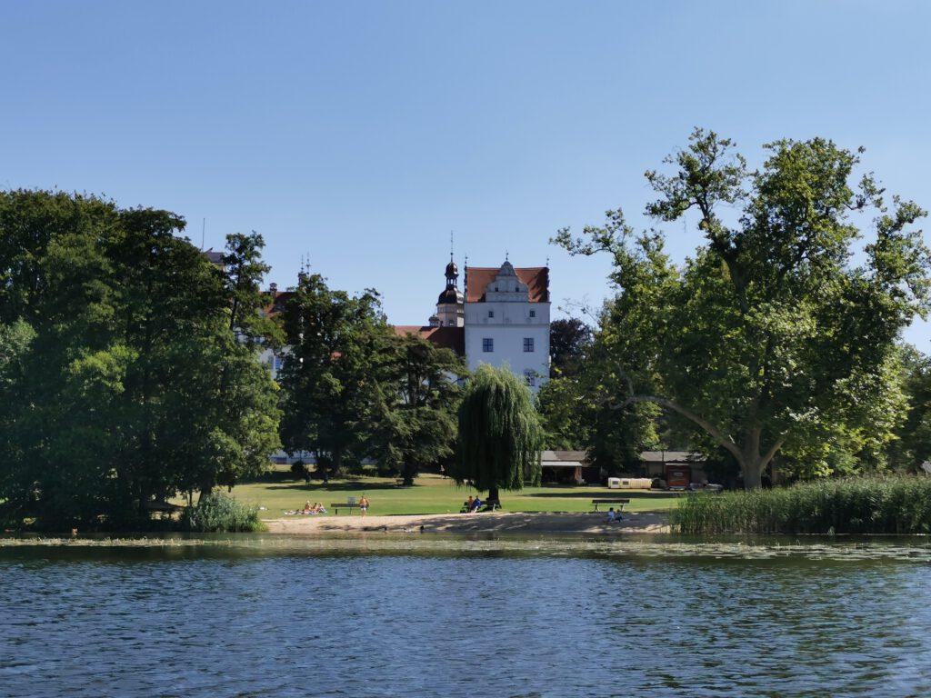 Schloss Boitzenburg direkt am See