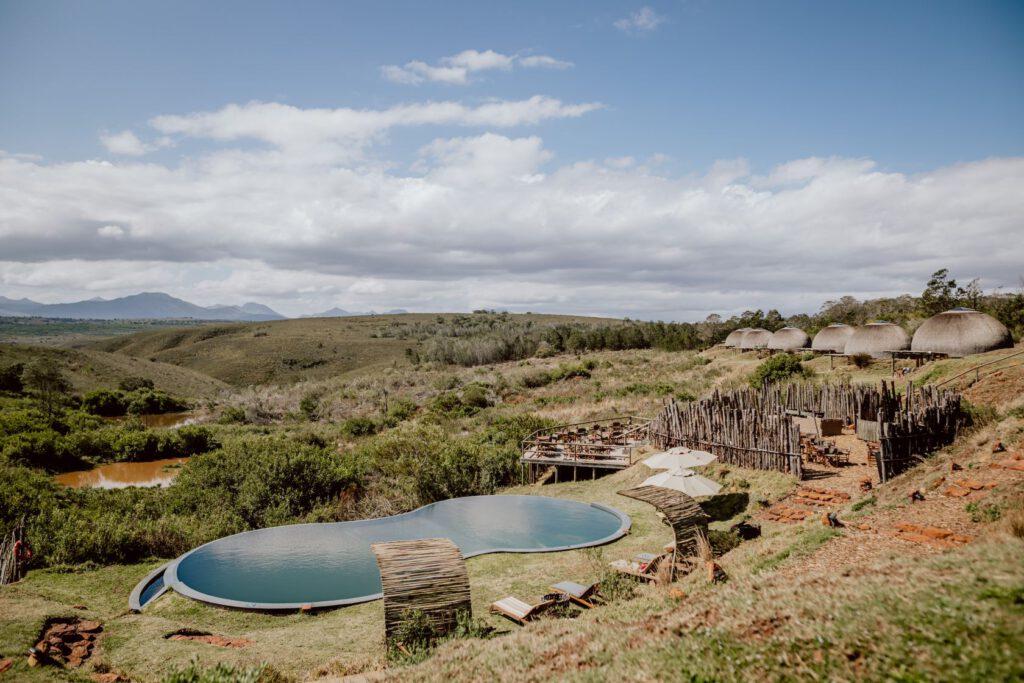Pool mitten im Busch Südafrikas
