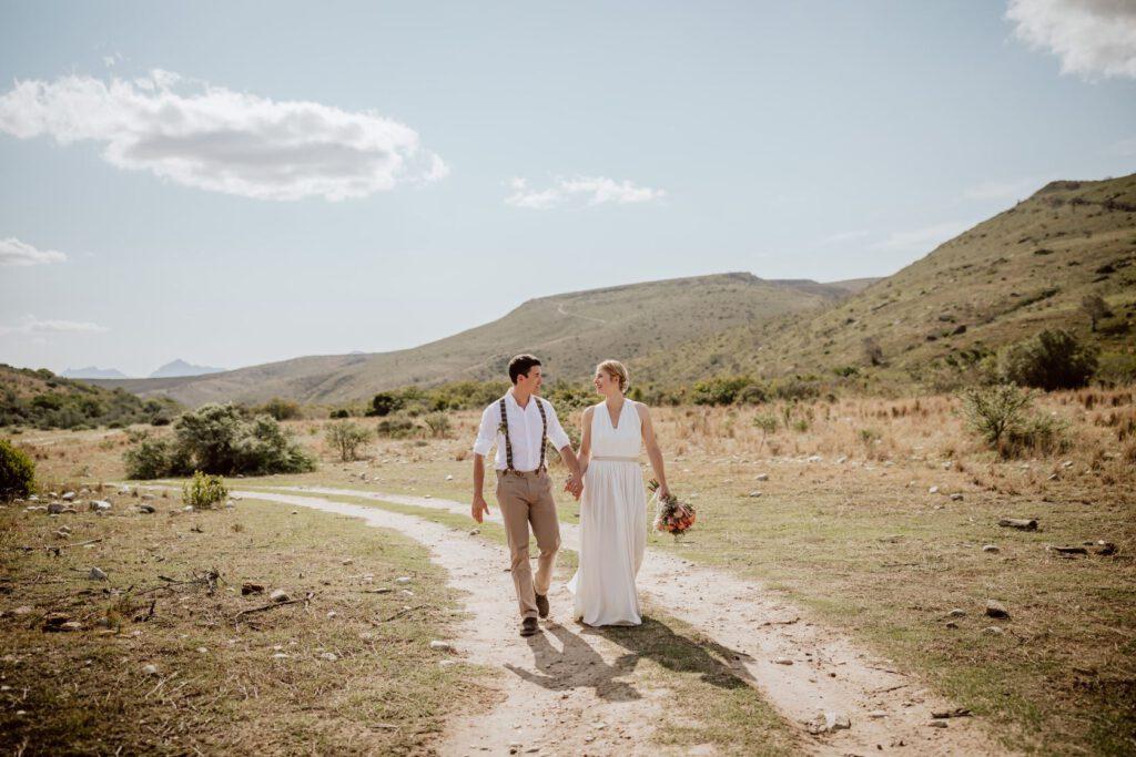 knitterfreies Hochzeitskleid ideal für die Wildnis in Südafrika