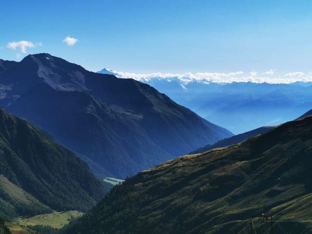 Blick von der Oberetteshütte aus ins Matschertal - im Hintergrund: der Ortler