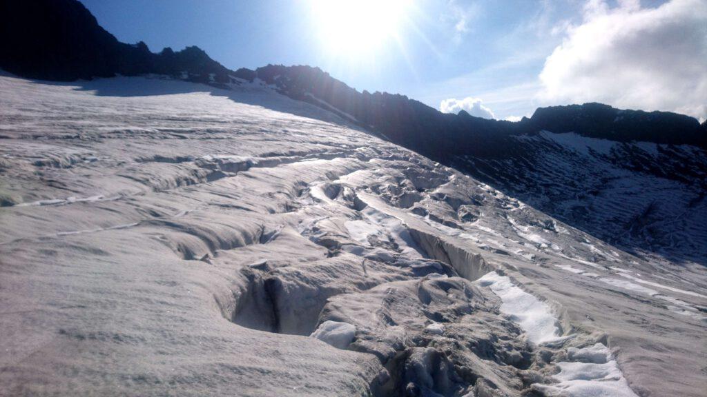 Gletscherspalten auf dem Weg zur Weißkugel