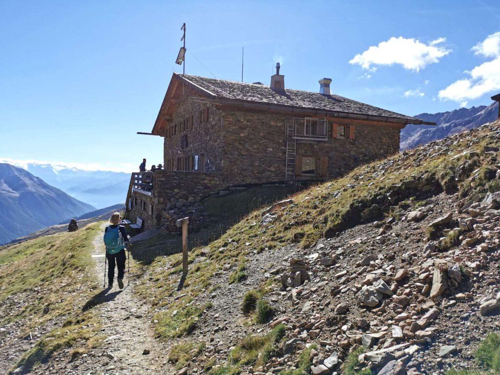 Abstieg von der Weißkugel - am Ende der Tour kommen wir wieder an der Oberetteshütte an